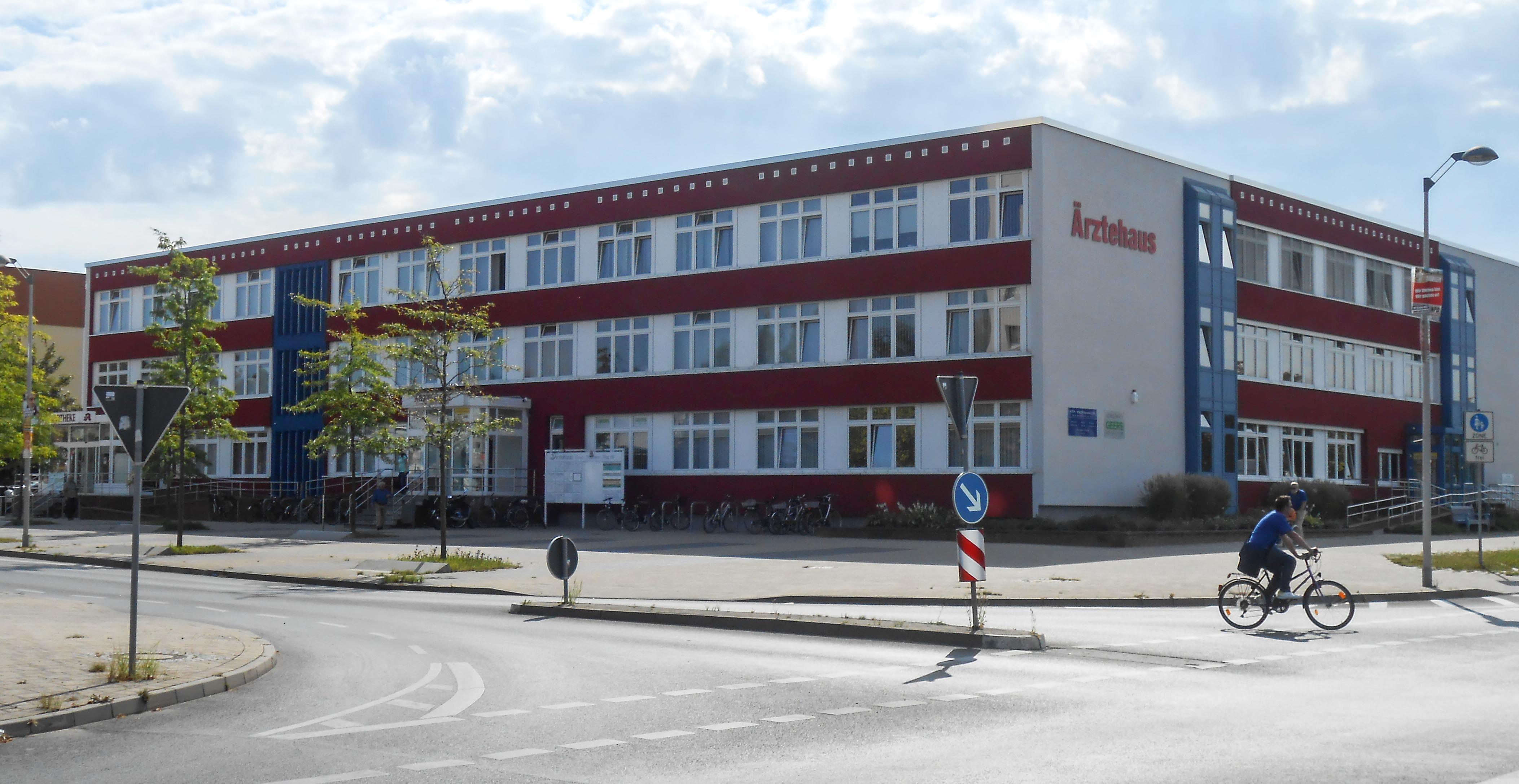 RA Dr. Simone Böhne | Ärztehaus Schönwalde